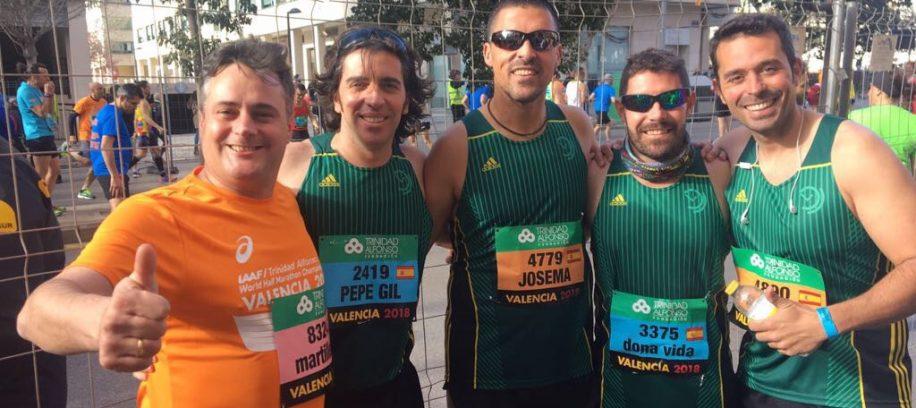 Algunos atletas del equipo de atletismo de aTurnos el Mundial de media maratón 2018